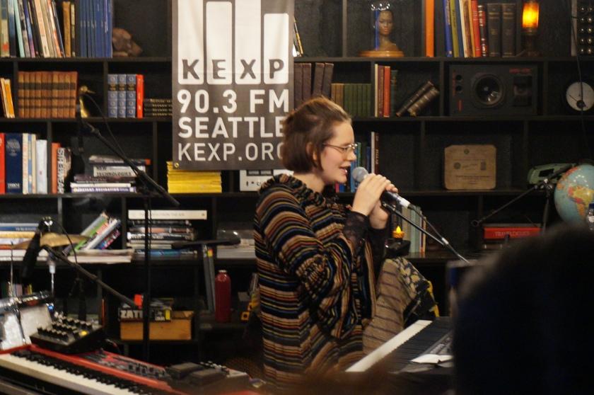 Sóley performing at KEX.