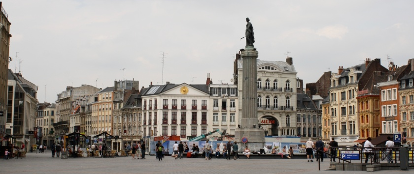 The Grand Place in Lille, with the statue of the Goddess in the centre commemorating their strength and resistance.