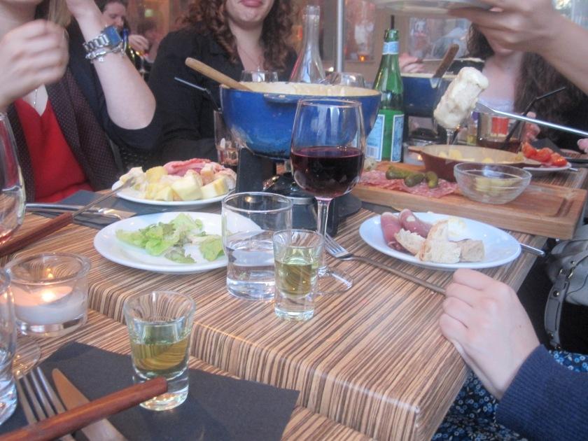 Enjoying Le Ch'ti Fondue.