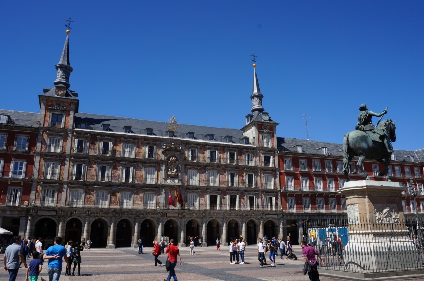 The Plaza Mayor and the statue of Phillip III